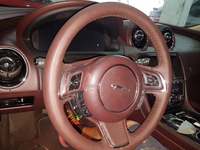 volante jaguar después 1